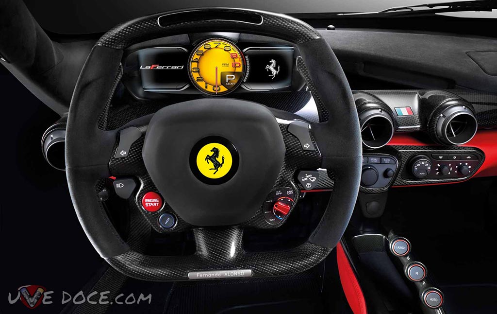 LaFerrari interior